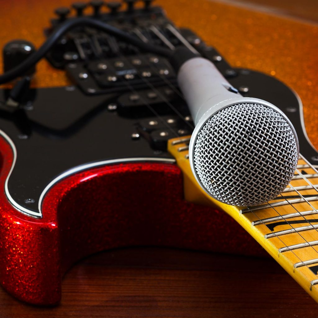 electric guitar with mic